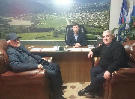 """Встреча главы с председателем и юристом СПК """"Дружба"""""""