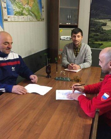 Малик Залимханович провёл совещание с методистом спортшколы Азаева
