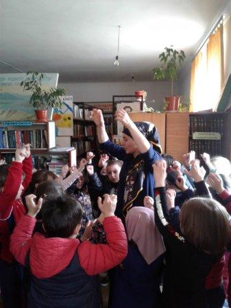 В сельской библиотеке для воспитанников детского сада «Радуга» провели экскурсию