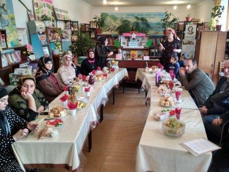 8 октября в сельской библиотеке Ленинаула совместно с администрацией и работниками соцобеспечения провели мероприятие, посвященное ко Дню пожилых людей.