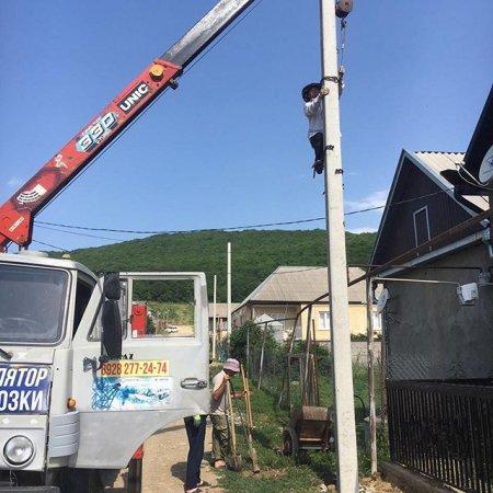 Установление электрических столбов